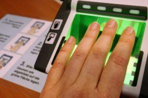 Как делается дактилоскопия на шенгенскую визу