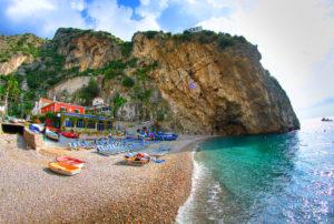 незабываемо отдохнуть на побережье Италии
