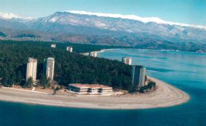 Стоит ли решаться на переезд на ПМЖ в Абхазию россиянину
