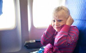 Что делать, если закладывает уши в самолете