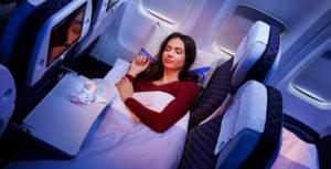 Как быстро уснуть в самолете, если вы боитесь летать