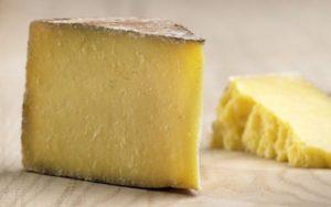 Можно ли в ручной клади провозить твердый сыр по правилам