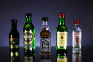 Разрешен ли провоз алкоголя в багаже самолета